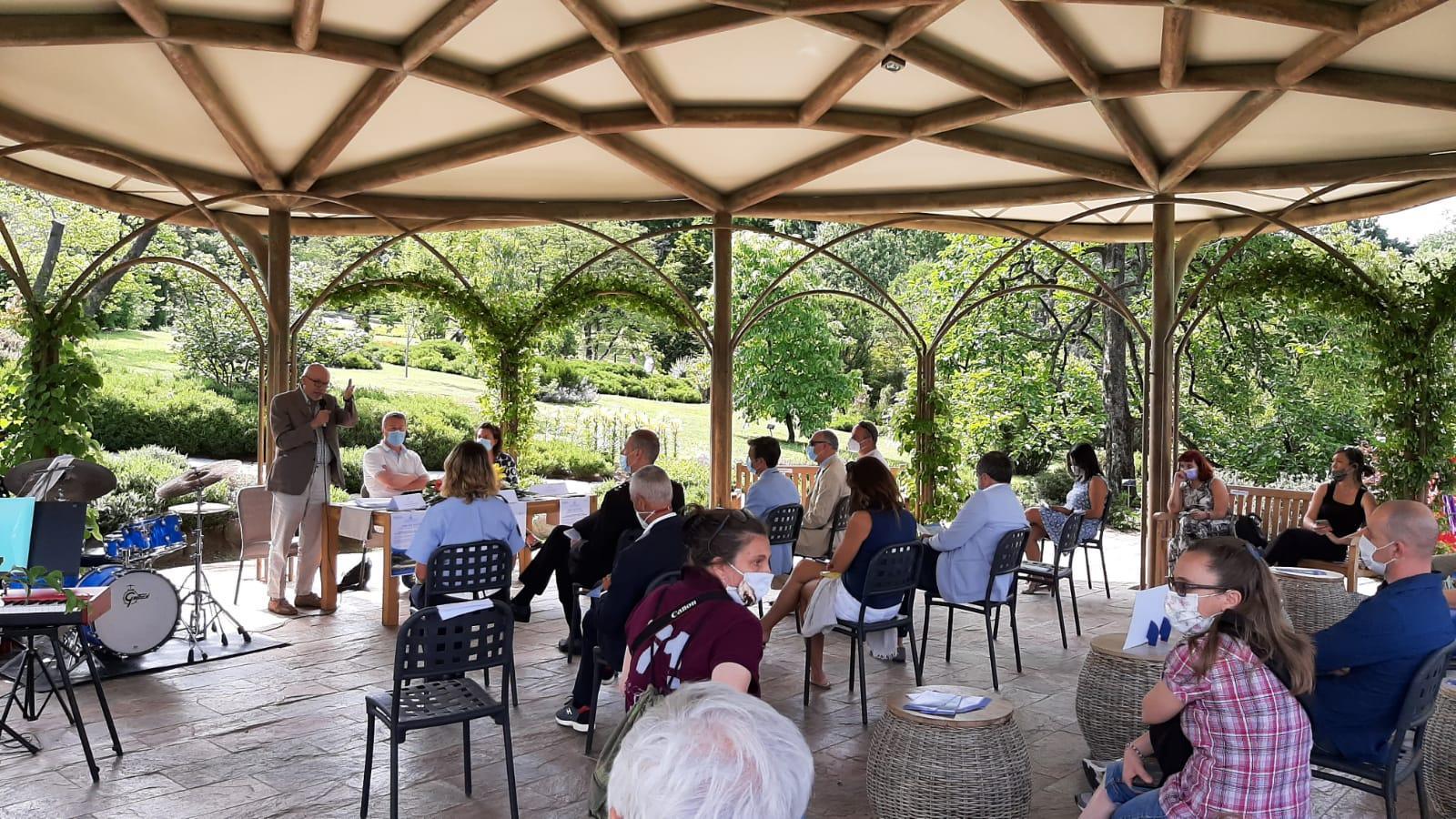 """Open day """"Ville e giardini"""" - intervento Gianni Dal Bello direttore del Museo Meina"""